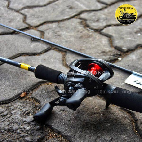 bộ cần ngang lure Daiwa Crossfire X Máy Daiwa Pr100L